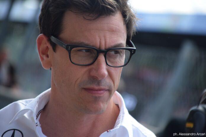 """Wolff: """"Non ci siamo impegnati abbastanza per migliorare la vetturaWolff contro i rumors: resto in Mercedes con Hamilton…"""
