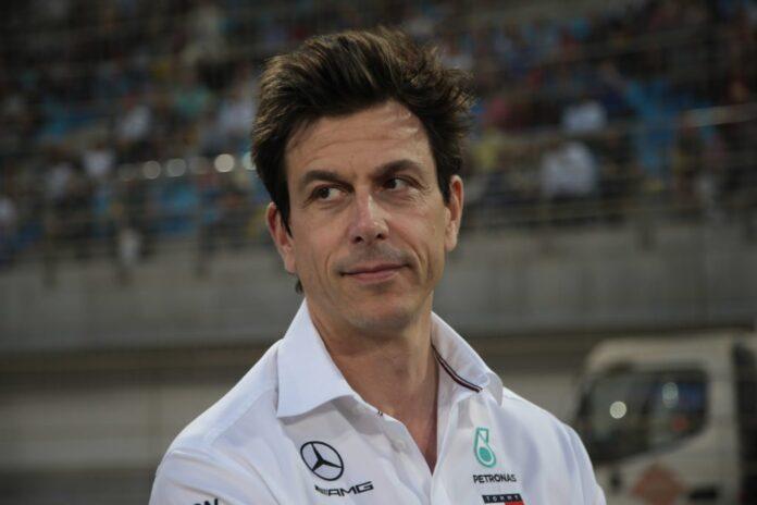 Wolff: Mercedes resta in F1 solo se più efficiente…
