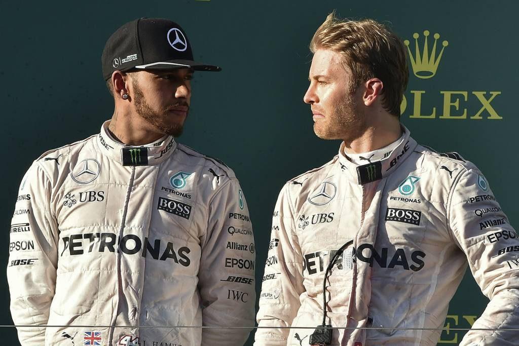 Hamilton snobba la Ferrari: con la Mercedes per continuare a vincere