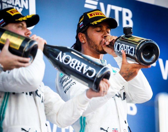 Verstappen lancia una stoccata a Hamilton