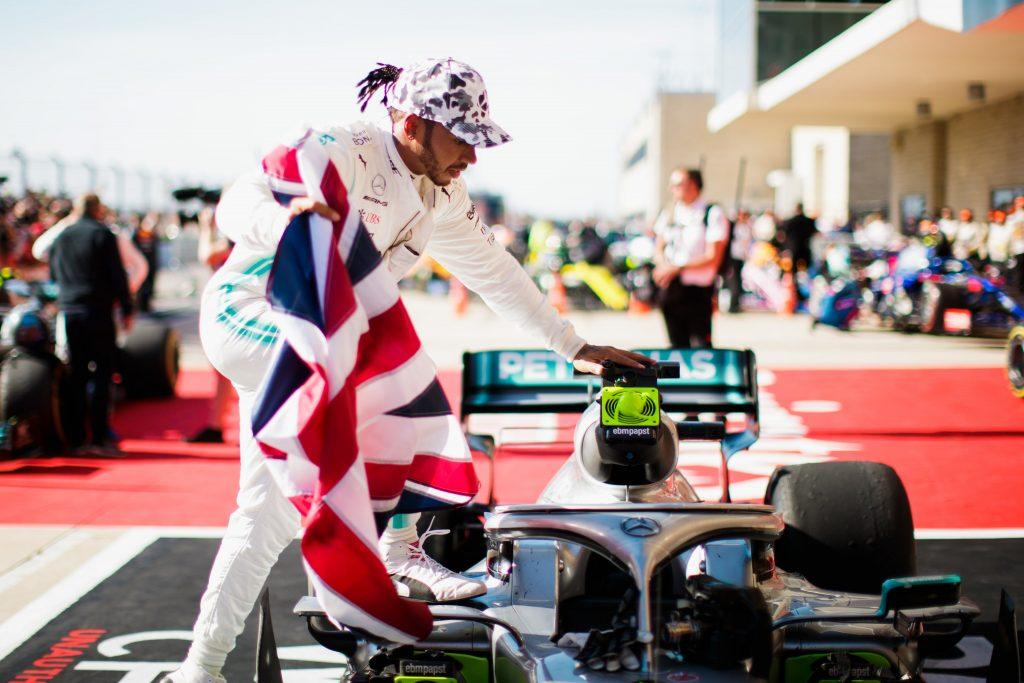 La cavalcata di Lewis Hamilton, esacampione del mondo