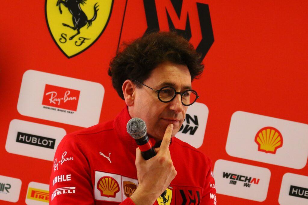 Ecclestone ne ha per tutti: critica la Ferrari ed esalta Hamilton
