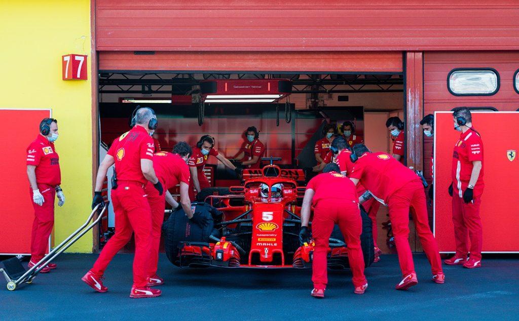 """Brundle punta sull'insolenza di Vettel: """"Non rispetterà gli ordini di scuderia..."""""""