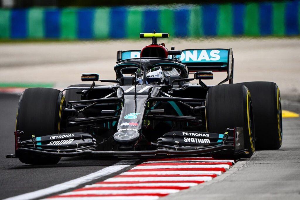 Il venerdì della Mercedes: Hamilton cerca l'assetto, Bottas è soddisfatto