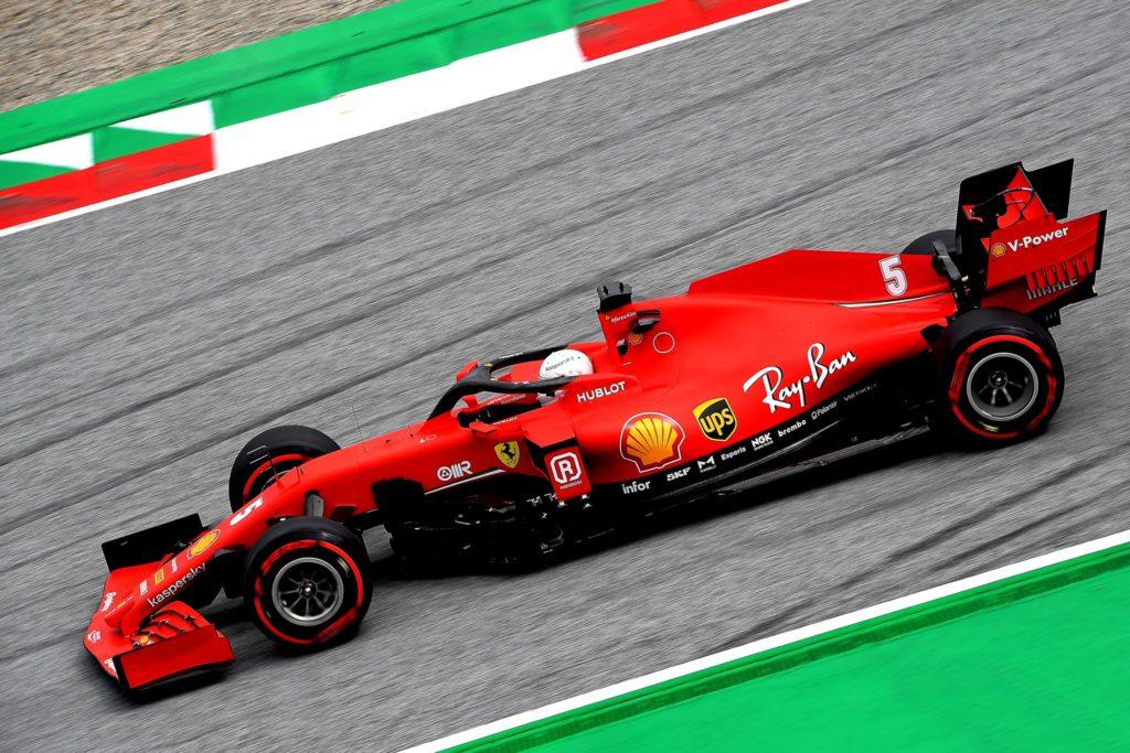 Sebastian Vettel alla guida della Ferrari SF1000 al Red Bull Ring