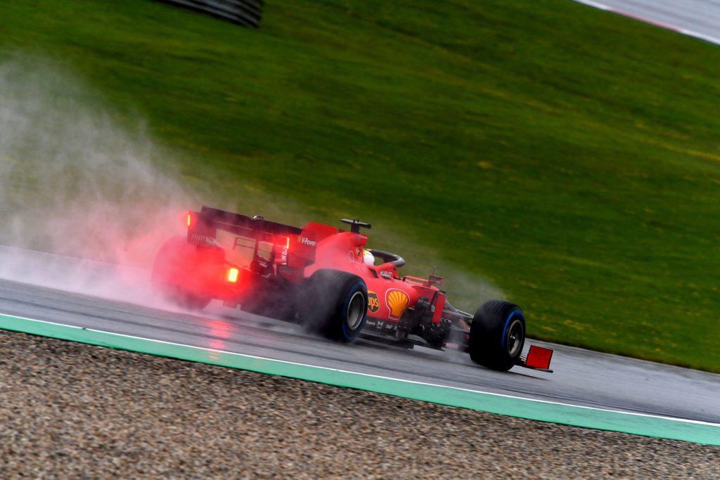 Vettel rema contro la SF1000