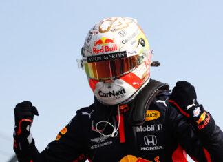 Mercedes: Hamilton è il presente, Verstappen potrebbe essere il futuro
