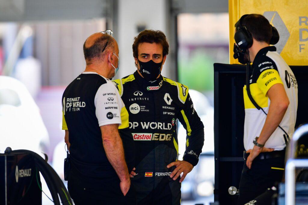 Alonso torna a ruggire: capodanno in fabbrica